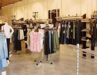 深圳店铺装修 品牌时装店设计装饰颜色搭配的技巧
